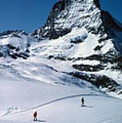 Skiers At The Matterhorn Art Print
