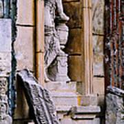 Statue In A Niche Art Print