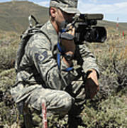 U.s. Air Force Sergeant Shoots Video Art Print