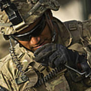 U.s. Army Soldier Communicates Art Print