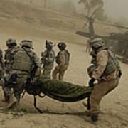U.s. Army Soldiers Medically Evacuate Art Print