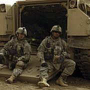 U.s. Army Soldiers Waiting At Patrol Art Print