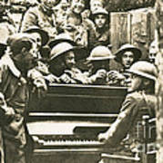 Yankee Soldiers Around A Piano Art Print by Photo Researchers