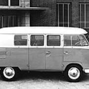 1960 Volkswagon Microbus Art Print