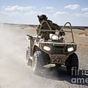 A U.s. Soldier Performs Off-road Art Print