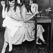 Daisy And Violet Hilton 1908-1969 Art Print