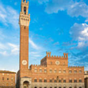 Public Palace With The Torre Del Mangia In Siena, Tuscany Art Print