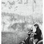 Signora Black And White Art Print by Marco Hietberg