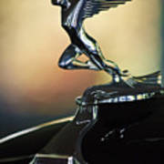 1932 Auburn 12-160 Speedster Hood Ornament Art Print