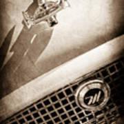1959 Nash Metropolitan 1500 Convertible Hood Ornament - Grille Emblem -0180s Art Print