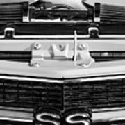 1970 Chevrolet Chevelle Ss Grille Emblem - Engine -0171bw Art Print