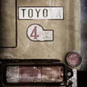 1978 Toyota Land Cruiser Fj40 Taillight Emblem -1191ac Art Print