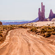 descending into Monument Valley at Utah  Arizona border  Art Print