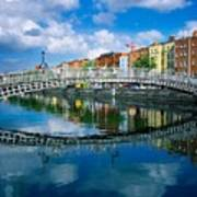 Hapenny Bridge, River Liffey, Dublin Art Print