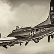 B17 Flying Fortress Art Print