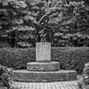 4387- Sculpture Black And Whi Art Print