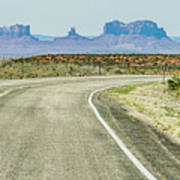 descending into Monument Valley at Utah  Arizona border  Art Print