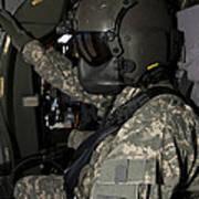 Uh-60 Black Hawk Crew Chief Art Print