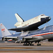 747 Takes Off With Space Shuttle Enterprise For Alt-4 Art Print