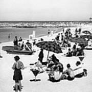 Beach Scene At Cape Cod Art Print