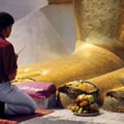Buddhist Thai People Praying Art Print