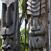Carved Statues At Puuhonua O Honaunau National Historical Park Art Print