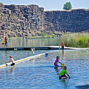 Children Playing In Dierkes Lake In Snake River Above Shoshone Falls Near Twin Falls-idaho  Art Print