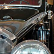Close Up On Vintage Black Shining Car Art Print