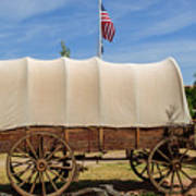 Covered Wagon At Fort Bluff Art Print