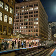 Cta Pulls Into The State-lake Street Station Chicago Illinois Art Print