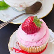 Cupcake With Strawberry Art Print