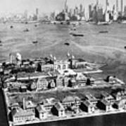Ellis Island, 1933 Art Print
