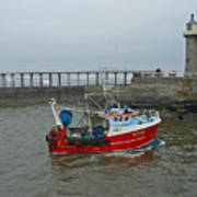 Fishing Boat Wy110 Emulater - Entering Whitby Harbour Art Print