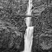 Full View Of Multnomah Falls Art Print