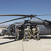 Hh-60g Pave Hawk With Pararescuemen Art Print