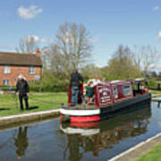 In Papercourt Lock On The Wey Navigations Art Print