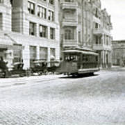 In This 1913 Photo, A Cable Car Drives Past The Littlefield Building And Dristill Hotel On Sixth Str Art Print
