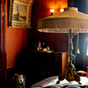 Lamp At Glensheen Art Print