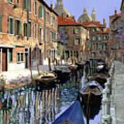 Le Barche Sul Canale Art Print