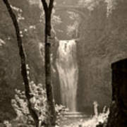 Lower Multnomah Falls Art Print