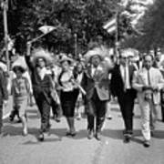 Marchers Wearing Hats Carry Puerto Rican Flags Down Constitution Avenue Art Print