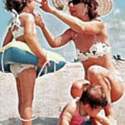 Mom With Girls At Beach Art Print