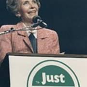 Nancy Reagan Speaking At A Just Say No Art Print by Everett