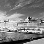Norwegian Epic Visit Art Print