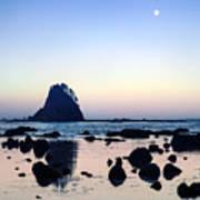 Pacific Moonset Art Print