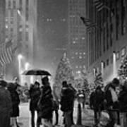 Rockefeller Center Christmas Tree Black And White Art Print
