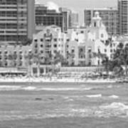 Royal Hawaiian Hotel - Waikiki Art Print