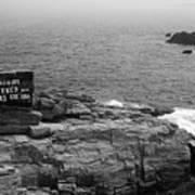 Shoreline And Shipwreck - Portland, Maine Bw Art Print