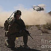 Solders Are Inserted By A Ch-53 Super Art Print