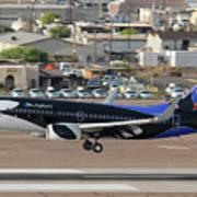 Southwest Boeing 737-7h4 N715sw Shamu Landing Phoenix Sky Harbor April 5 2011 Art Print